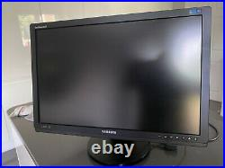 Samsung SyncMaster XL24 LED Pro Monitor Including X-Rite Calibration Tool